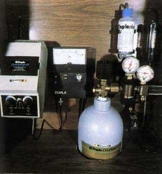 Можно последовательно смонтировать установку, дозирующую СО2, и наладить ее автоматическую работу.